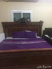 غرفة نوم متكامله بحالة جيدة