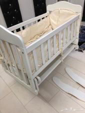 سرير اطفال هزاز الخرج