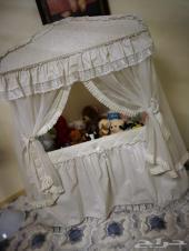 سرير اطفال ملكي شبه جديد