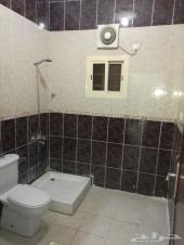 شقه ثلاث غرف وثلاث حمامات مدخلين