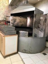 مطعم بيتزاوفطائر للبيع بكامل تجهيزاته المميزة
