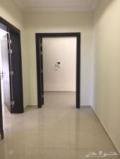 شقة أربع غرف بمدخلين فقط ب200 الف