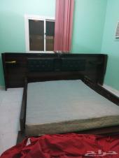 للبيع سرير خشبي