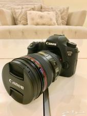 كاميرا Canon 6D مع عدسة وفلاش