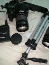 كاميرا كانون 70d للبيع مع عدستين واغراضها.
