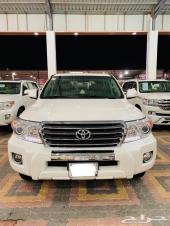 للبيع لاندكروزر GXR3 سعودي 2013 مخزن