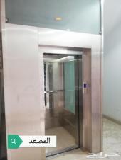 شقق جديده بعمار بها مصعد حي الرمال