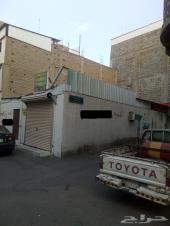 بيت شعبي للبيع واجهتين في حي الشرقية