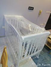 للبيع سرير اطفال جودة عالية من سنتر بوينت