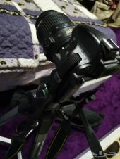 كاميرا  نيكون 5100 مع قاعده. نضيفه جدا
