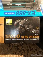 للبيع كاميرا نيكون D5200شبه جديده