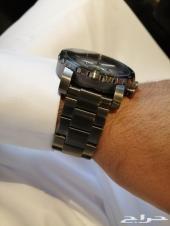 هذه الساعة المميزة من فوسيل.  لون الهيكل  رما