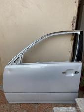 باب سيارة لكزس 2006