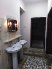 شقة عوائل للإيجار بمخطط بن مشيط
