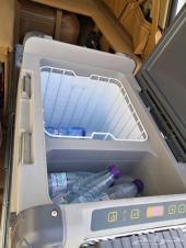 للبيع ثلاجة وطبق وخزان ماء لاندكروزر من2008