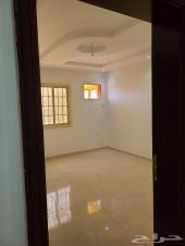 شقة3غرف وصالة واسعة في مشرفة مع موقف خاص مظلل