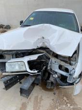 سيارة فورد بوليسي ممشي 100الف مصدوم من الامام