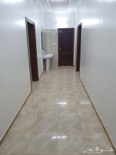 شقة في العزيزية نظيفة للايجار