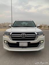 لاندكروزر GXR 2019  تورينق شبه جديد سعودي