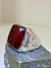 خاتم الملوك واعلى درجات الفخامه زعفراني ملكي