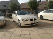 BMW 530 ابيض مع لوحة مميزة