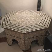 طاولة للبيع