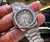 ساعة نسائيه بتك فليب نوتلس ( سبر كلون)
