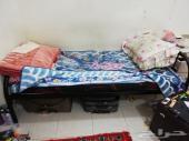 سرير حديد مع مرتبه نظيقة
