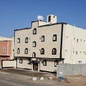 عمارة مساحتها 650م داخل الحد 6شقق بالملك فهد
