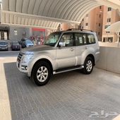 للبيع باجيرو موديل2018وكالة الكويت ماشي79الف تحت الكفالة