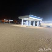 مجمع محطه كبير على طريق اليمن شروره وادي الدواسر رنيه
