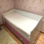 أثاث مستعمل للبيع ( غرفة نوم أطفال ) ..