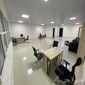 مكاتب وكراسي