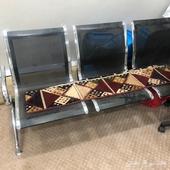 كرسي ثلاثي شبه جديد