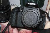 للبيع كاميرا كانون 600D مع 2 عدسه