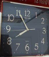ساعة حائط يابانية قديمة