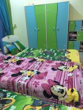 غرفة نوم مزدوج وغرفة أطفال للبيع