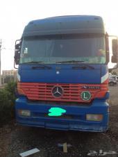 للبيع شاحنتان اكتروس2003-2000