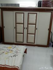 غرفة نوم وطني قوية ومميزة وشبه جديدة