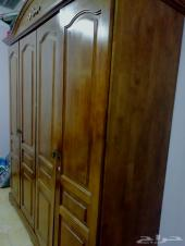 خزانة أو كبت خشب صولد وحاملة ال سي دي