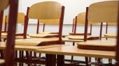 مكاتب وكراسي للطلاب للبيع
