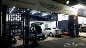 محل تلميع سيارات في موقع مميز للإيجار السنوي