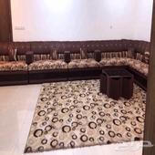 مجلس خشب ماليزي مع طاوله كبيره و5 طاولات صغار ابي فيه 1800