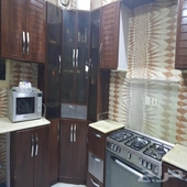 مطبخ تفصال مع فرن نظيف جدا