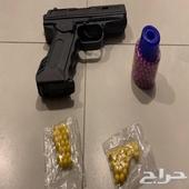 مسدس خرز اسود