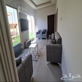 شقة مفروشه ثلاث غرف وجلسات خارجيه خاصة