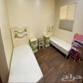 غرفة نوم اطفال وجلسة ارضية