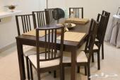 طاولة طعام مع 8 كراسي من شركة IKEA
