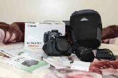 كاميرا كانون650Dشاشة تاتش ( استخدام بسيط جدا)