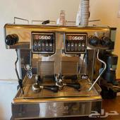 مكينة قهوة نضيفه جدا حجم كبير والبيع سمح